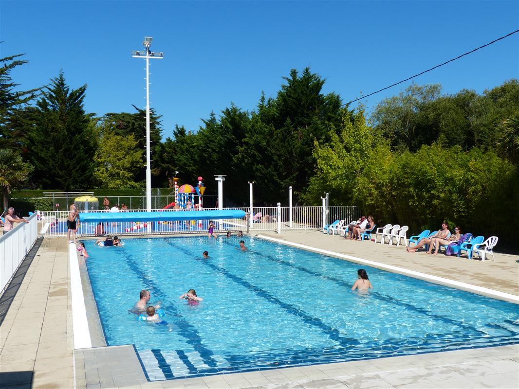 Camping avec piscine chauff e et jeux aquatiques saint for Camping saint jean de luz avec piscine